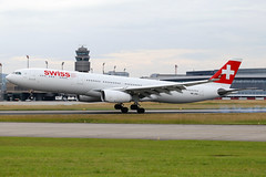 Swiss_A333_HB_JHG_ZRH_20150613_MG_1682_Colormailer_Flickr