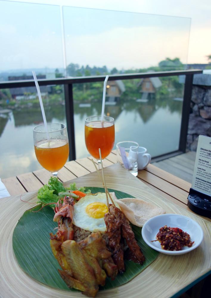 dusun bambu fried rice via tesyasblog