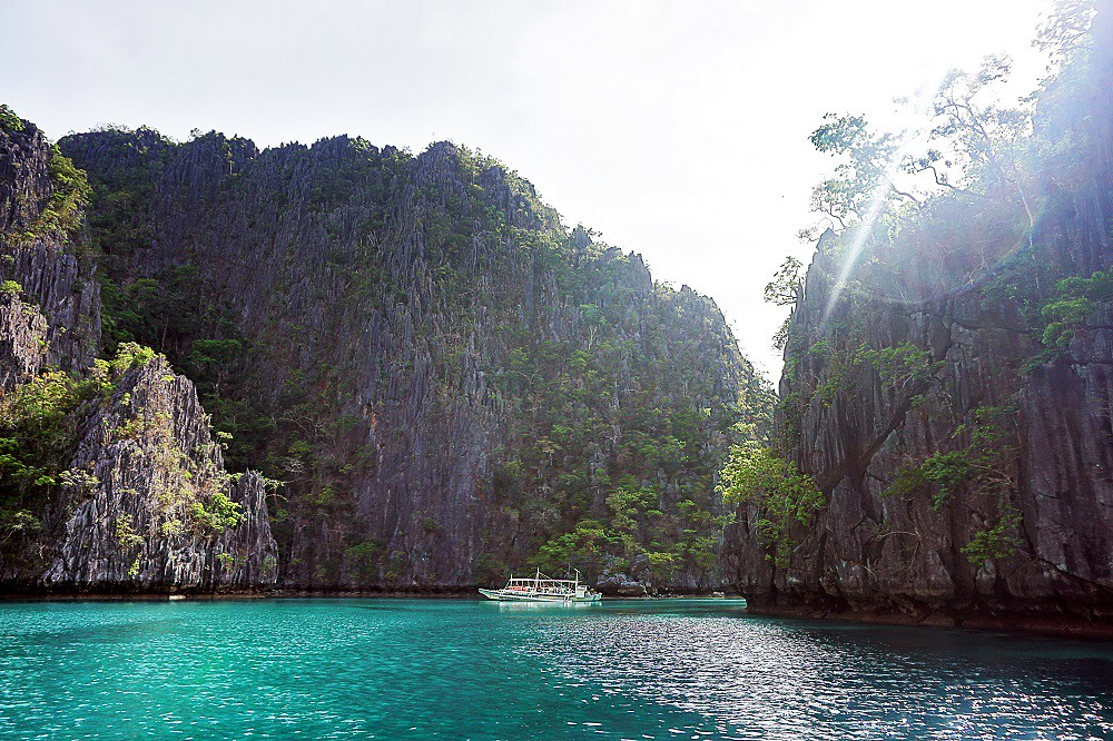 Travel Diary Kayangan Lake in Coron, Palawan, PH -thedailyposh (6)
