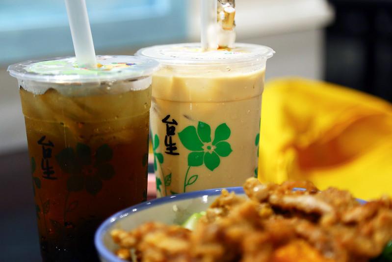【台北美食小吃】懷念的古早味,好吃的排骨便當,台北車站附近的小吃店「台生飲食亭」。