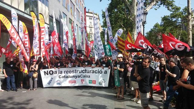 CGT fa balanç de la concentració a Barcelona per l´ERO i la pretensió de Catalunya Caixa d´acomiadar a 2000 treballadors/es