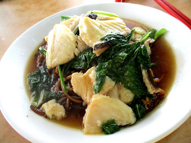 Foochow fried noodles with ikan tapah