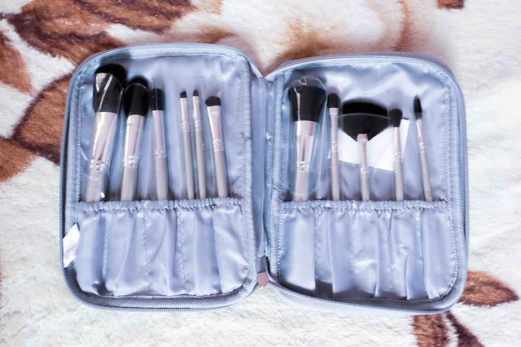 brushes-1