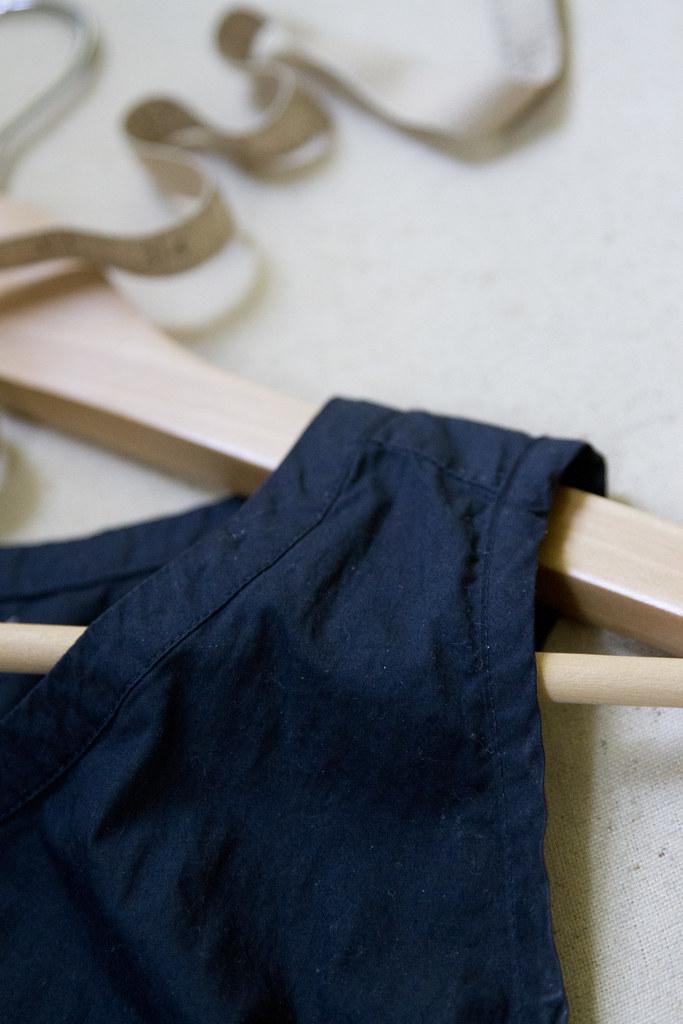 growing a minimalist wardrobe: tailoring | reading my tea leaves