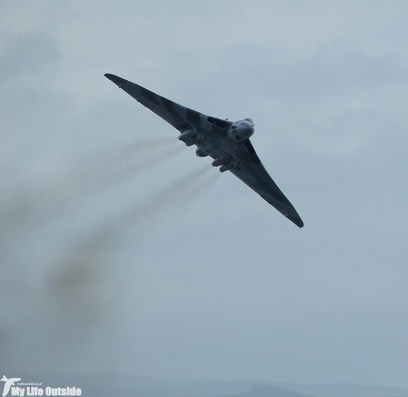 P1140046 - Vulcan XH558, Swansea Bay