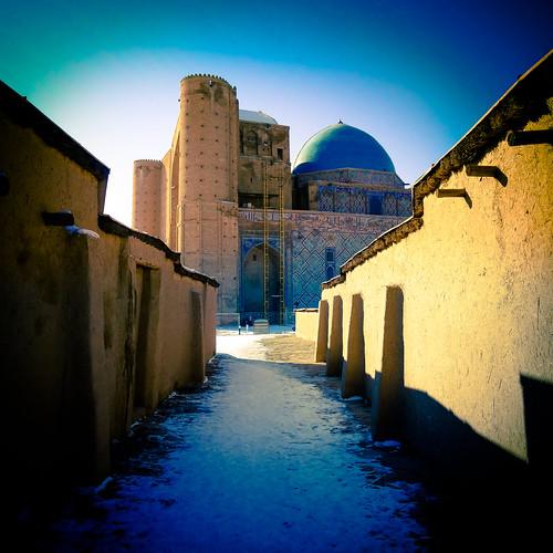 turkestan kazakhstan snow mausoleum death monument blue mausoleumofkhojaahmedyasawi khoja ahmed yasawi street road 20161130