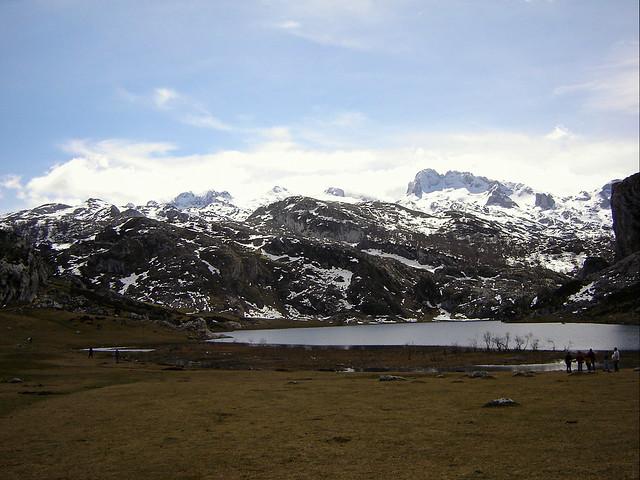 Paisaje de los Lagos de Covadonga (Picos de Europa, Asturias)