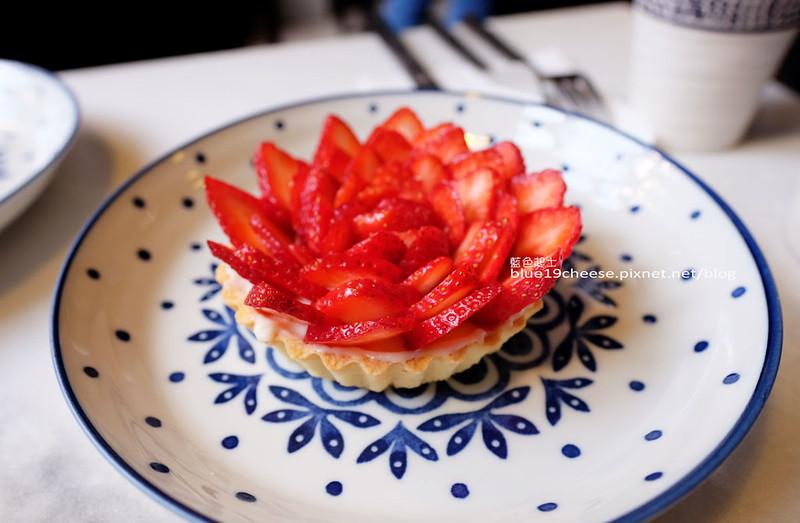 32358661482 a9c6c43a49 c - A La maison-台中隱藏巷弄美食餐廳.人氣甜點如盛開花朵的草莓塔.IG打卡熱點.早午餐法國菜三明治.向上市場附近.金格銀樓旁巷子進去