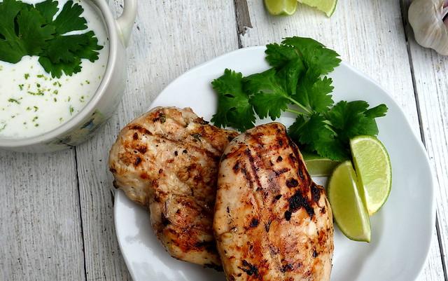 Kana laimi ja koriandriga