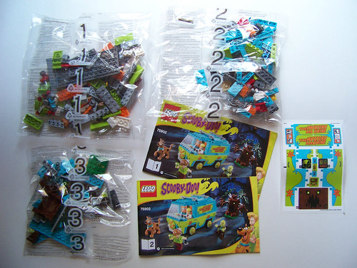 LEGO Scooby Doo The Mystery Machine 75902 contents