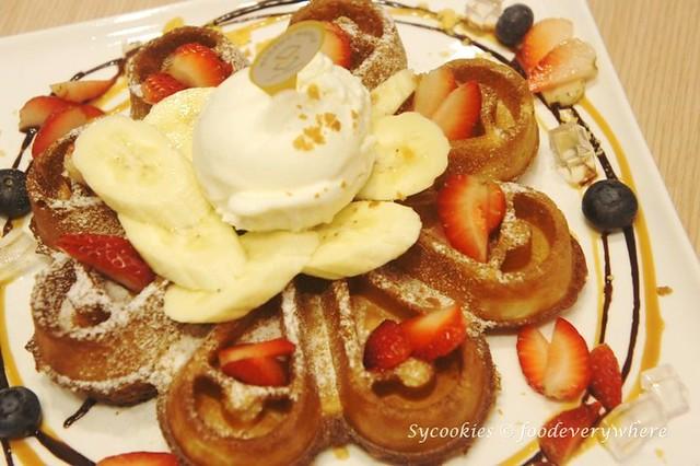 8.Madame Waffle in 1Utama