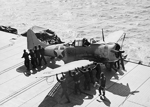Douglas SBD-45 Dauntless after his landing on the USS Independence (CVL-22) 30th April 43.