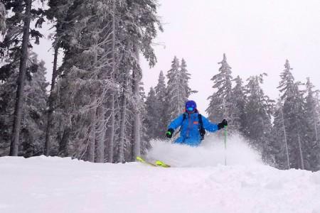 Středisko Filzmoos spadající do superoblasti Ski amadé ani letos nezklamalo. Z lidnatého Antonu jsme přijeli na prázdné široké sjezdovky, které patřily jen nám. A ani tady zima nebyla lakomá na sněhovou nadílku a pře...