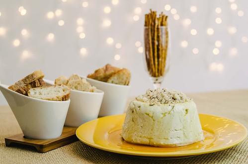 Terrine de queijo com castanhas e mel