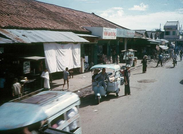 SAIGON 1965 - by Earle Hayford