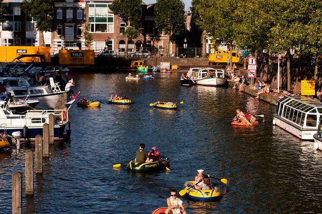 Grootste optocht van rubberboten, Utrecht. 084