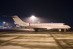 BusinessJet_GLEX_M-YSSF__ZRH_20170120_Ground_night_8696_Colormailer_Flickr
