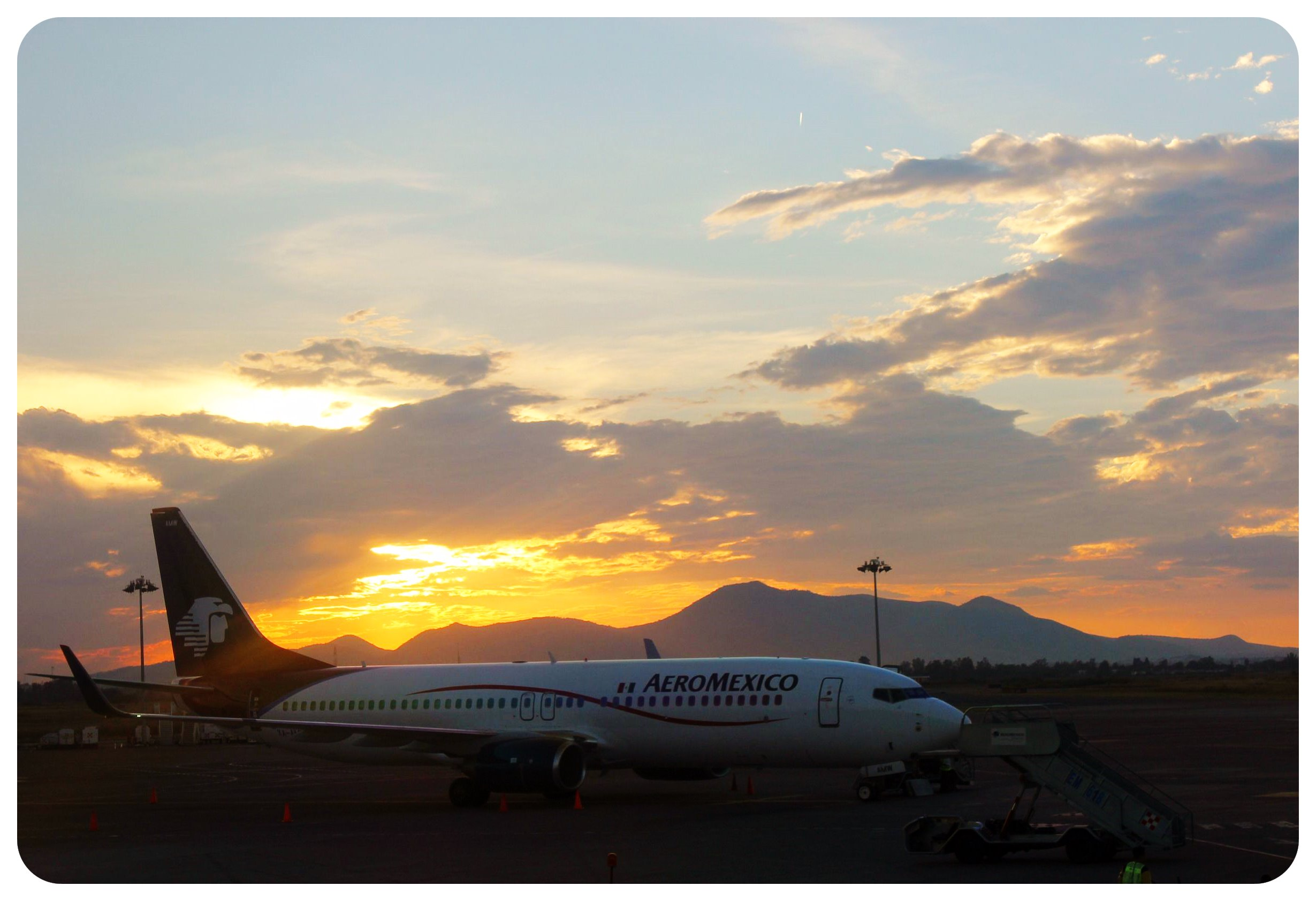 guadalajara airport sunset