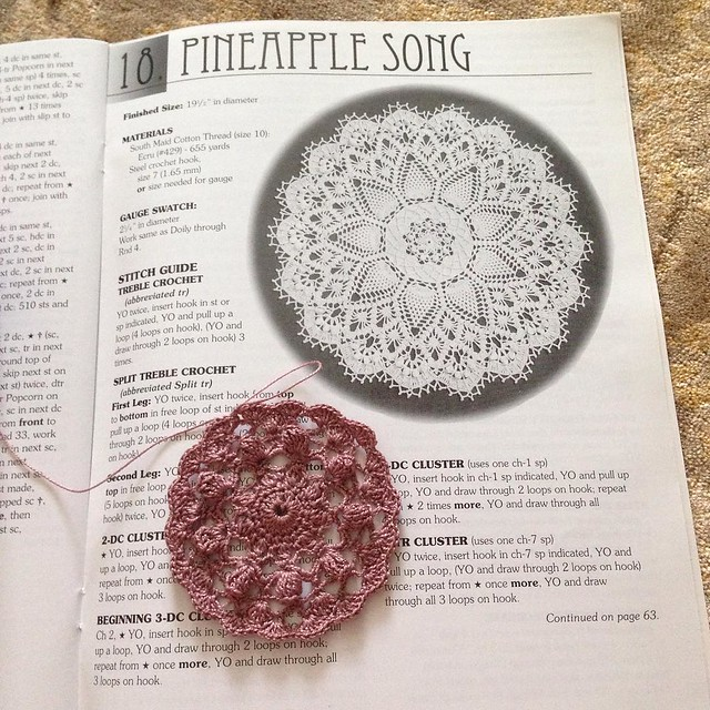 Haven't made any doilies from this book. Starting with the last one, the most difficult. #yolo