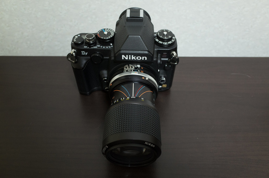 Zoom-Nikkor 35-105mm F3.5-4.5 + Nikon DF