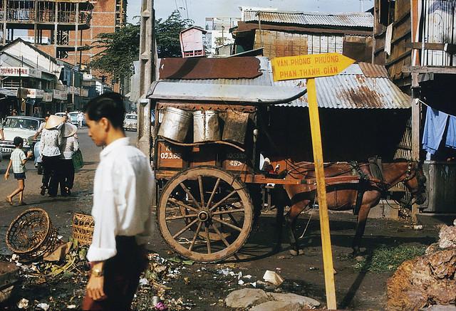 SAIGON 1966 - STREET SCENE DURING WAR - đường Phan Thanh Giản, nay là ĐBP