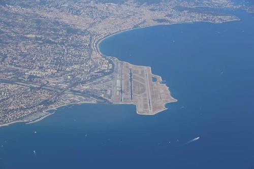 Aeropuerto en Niza, ganando terreno al mar