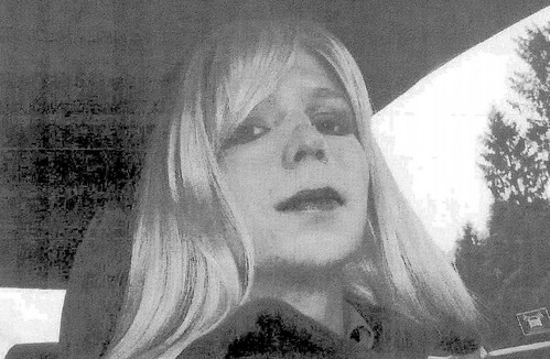 President Obama commutes the majority of Chelsea Manning's prison sentence