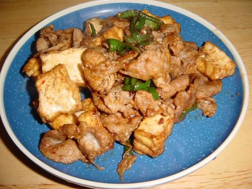 豚肉・生揚げ・ピーマンの中華風炒め物