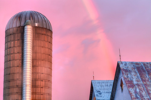 sunset portrait sky ontario canada storm rain weather clouds canon lens eos evening rainbow scenery long exposure mark farm country glen silo ii gradient l 5d 24 mm 105 ef robertson sandfield