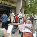 Rassemblement devant la Poste du centre-ville