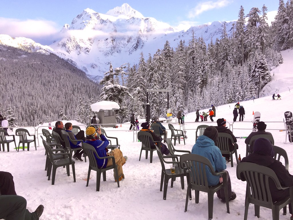 Brand new Snowater Resort - Accommodation Mt Baker, Glacier, Washington  RV19