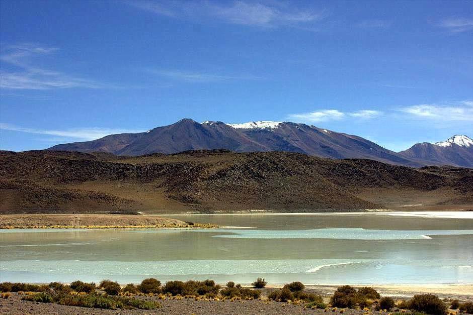 #travelbloggerindia #boliviatourism #southamerica #lagunaverdeuyuni