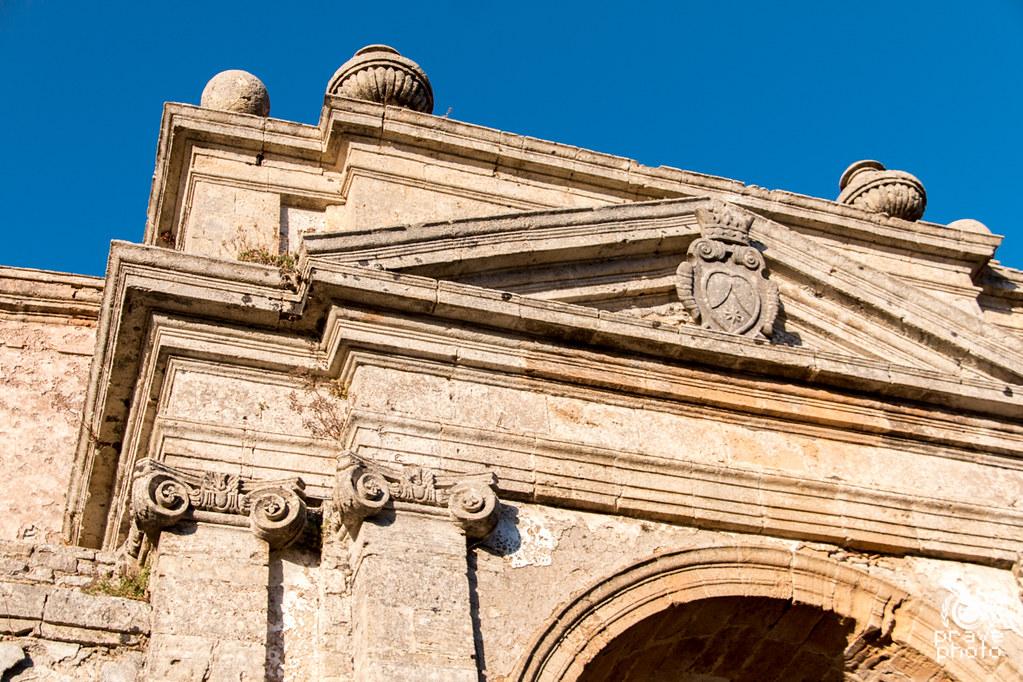 Castello di venere erice italy around guides for Fontana arredi valderice