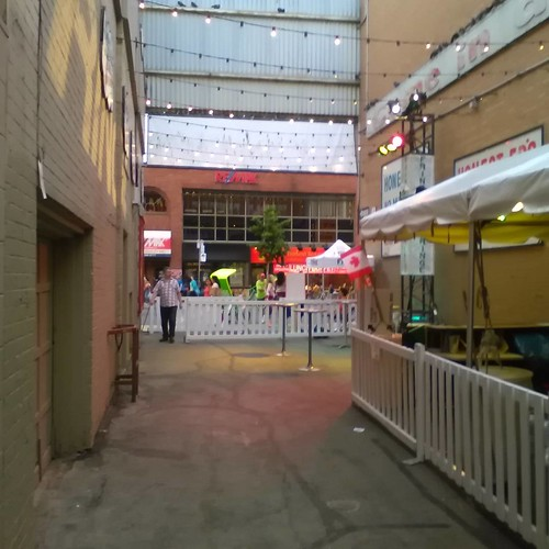 The Alley in evening #toronto #fringeto #thealley #honesteds #evening