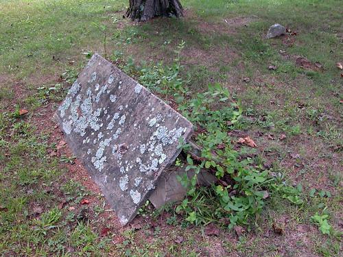 cemetery grave tombstone comb