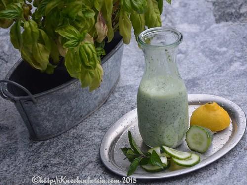 ©Kalte Gurkensuppe mit Joghurt, Minze & Dill (1)