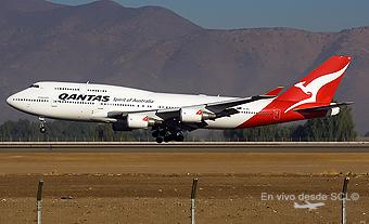 Qantas B747-400ER aterrizando (S.Blaise)
