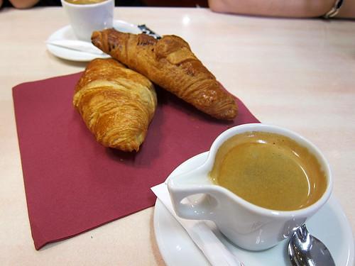Cafe Creme et Croissants