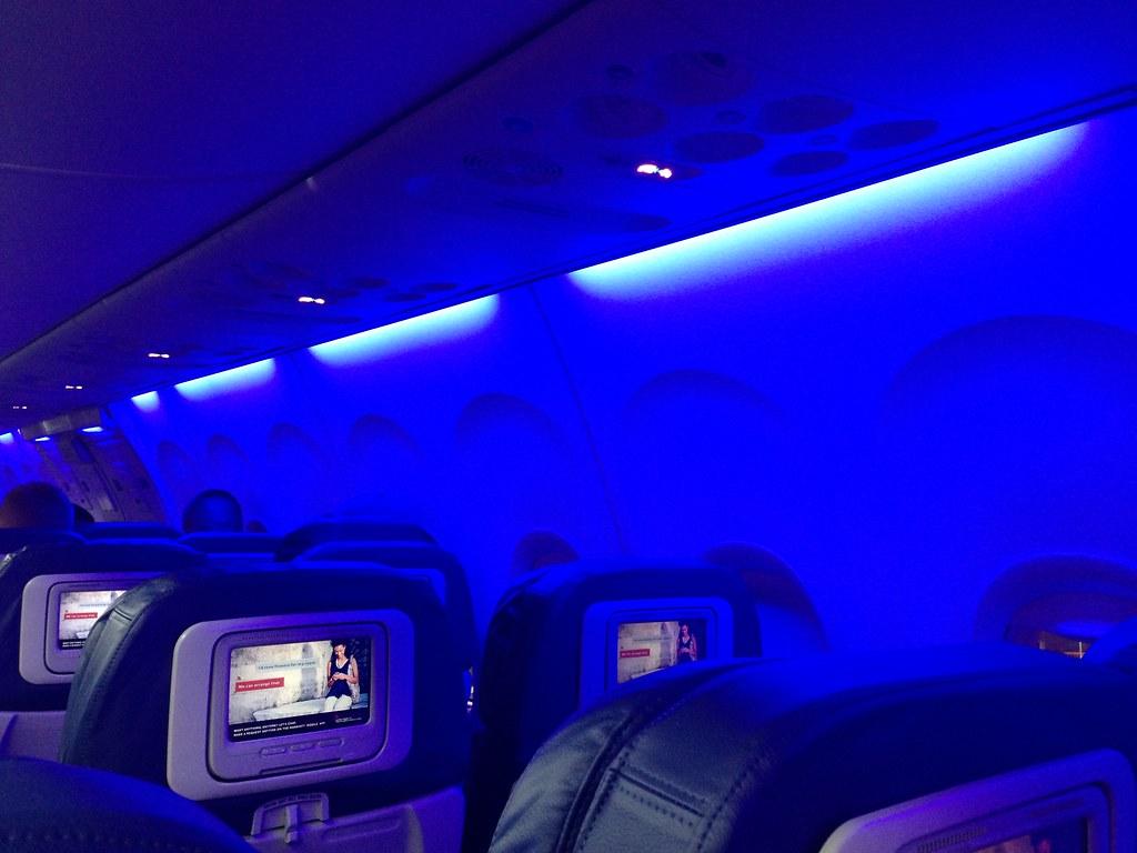 Led Lighting In Crj 700 Is Atrocious Flyertalk Forums