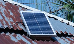 daylighting(0.0), facade(0.0), solar panel(1.0), solar energy(1.0), roof(1.0), solar power(1.0),