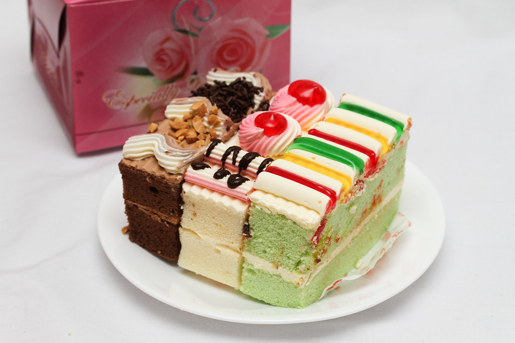50 Childhood Snacks Singaporeans Love: Old school cakes