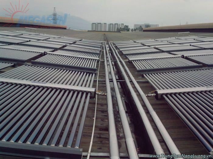 Hệ thống máy nước nóng năng lượng mặt trời Cocacola Đà Nẵng