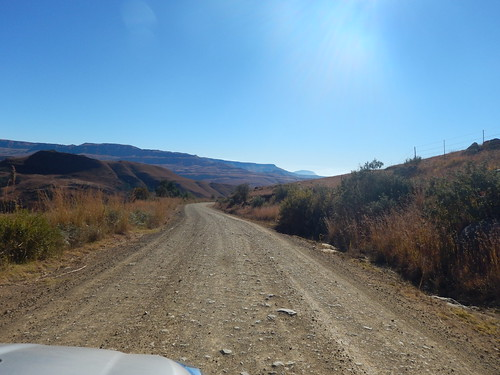 Gravel Road travel, The Drakensberg