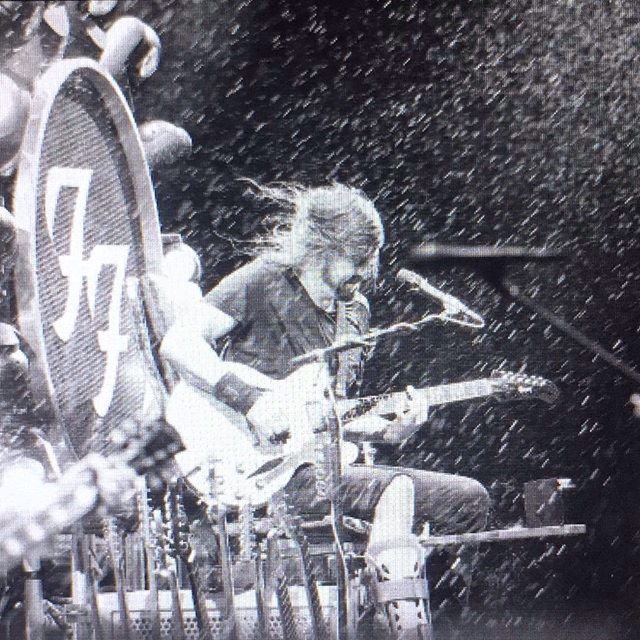 Foo Fighters. It was a little rainy. #feq #best4songsever