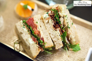 Club sandwich with crispy proscuitto