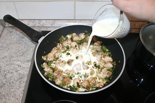 39 - Mit Sahne ablöschen / Deglaze with cream
