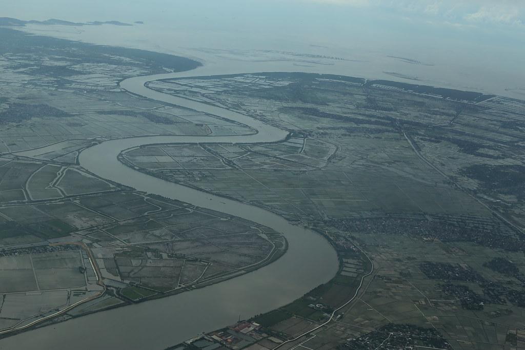 Nơi sông đổ ra biển