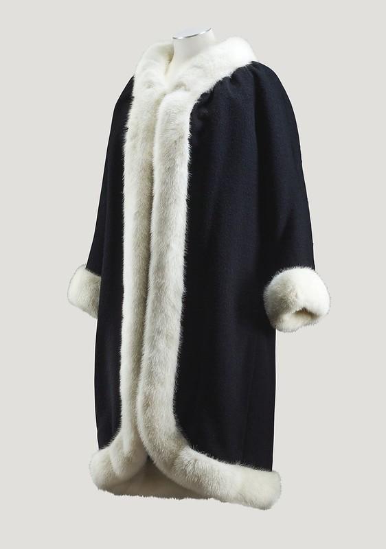 Balenciaga Haute Couture, 1965 - Lot 128