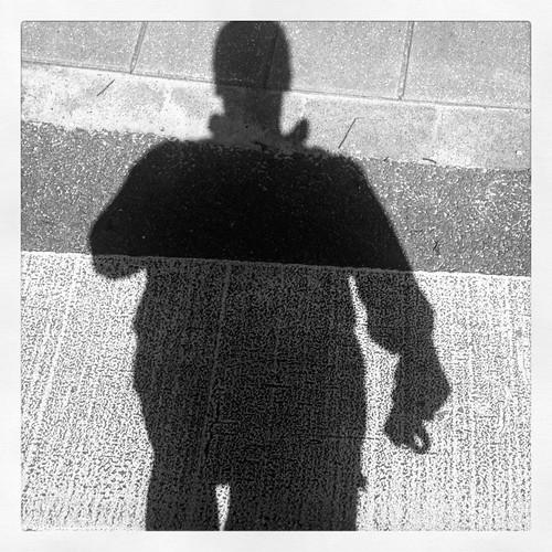 Crossed #zebra #crossing #Assen #TrotsOpAssen #MariaInCampislaan #sun #sunny #traffic#shadow #blackwhite #inkwellfilter