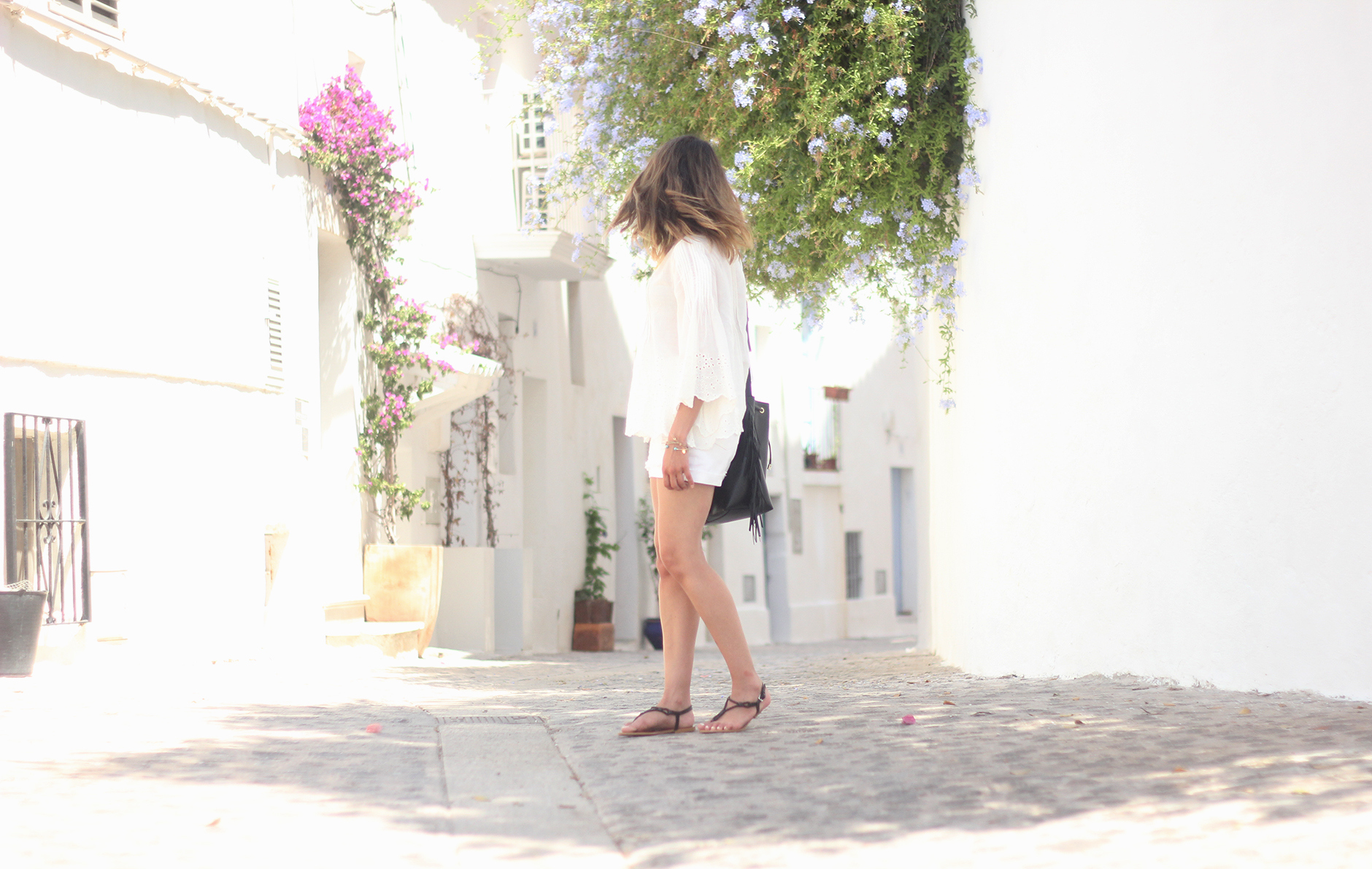 White top with shorts summer outfit Ibiza13